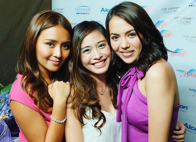 Friends Forever! Goin' Bulilit graduate Kathryn with her 'get to go friend' since 2014